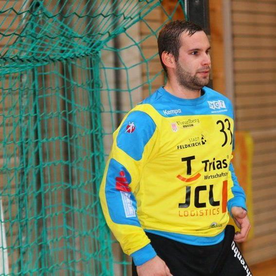 Feldkirchs Handballer verloren in Gingen knapp.