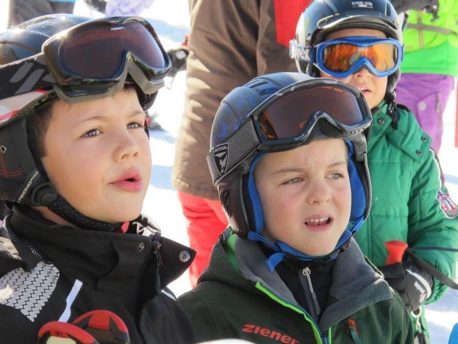 Die Kinder fieberten dem Skirennen entgegen.