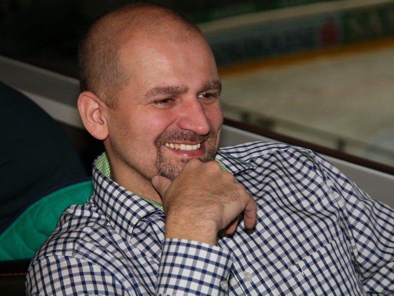 VEU Feldkirch Coach Milos Holan kennt die drei Gründe für den Heimsieg gegen Neumarkt.