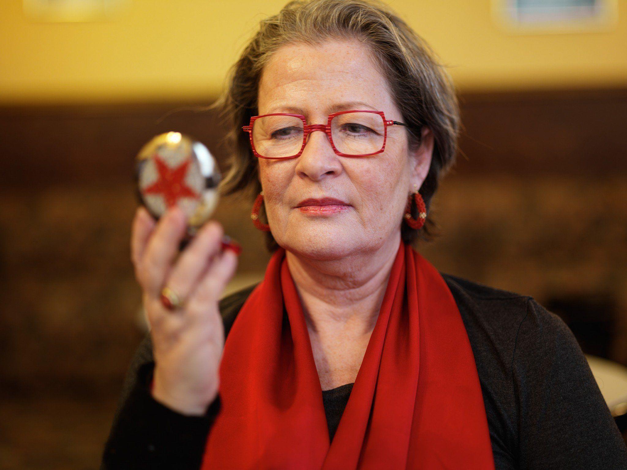 """Susanne Scholl liest aus ihrem neuen Roman """"Emma schweigt""""."""