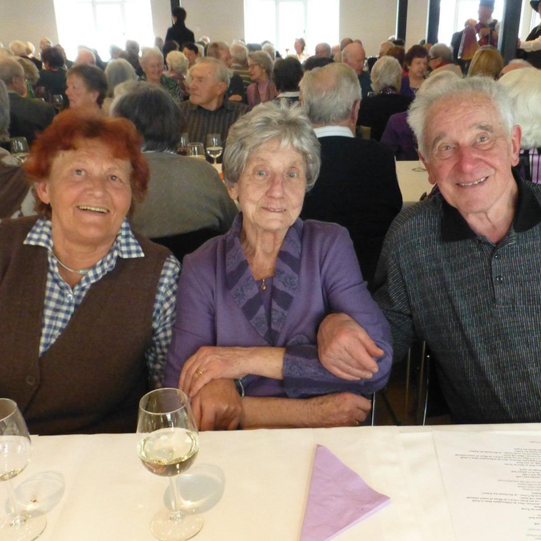 Rund 300 Hohenemser Senior(inn)en genossen einen unterhaltsamen Nachmittag im Löwensaal