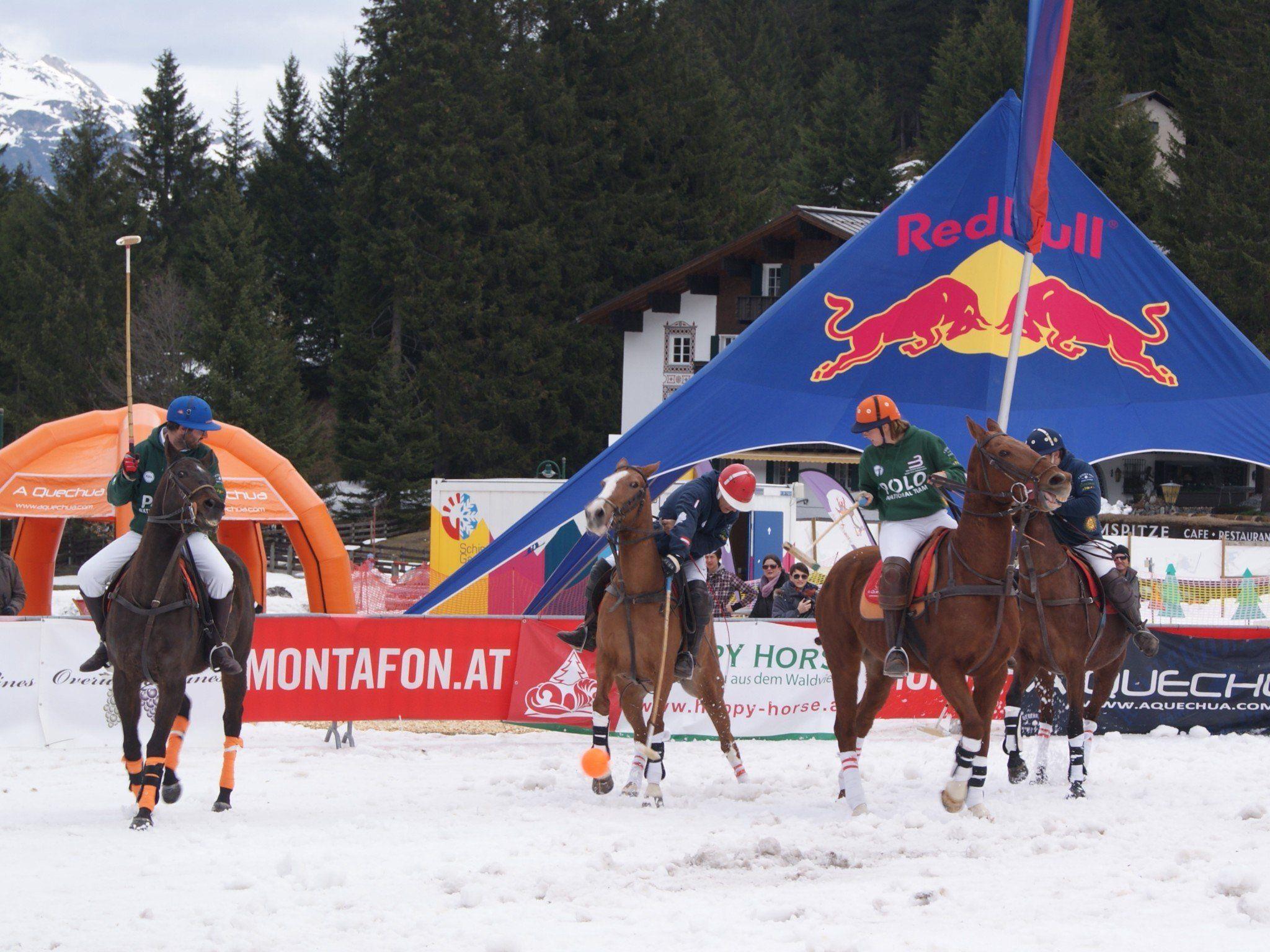 Ross und Reiter lieferten sich heiße Duelle im Schnee von Gargellen.