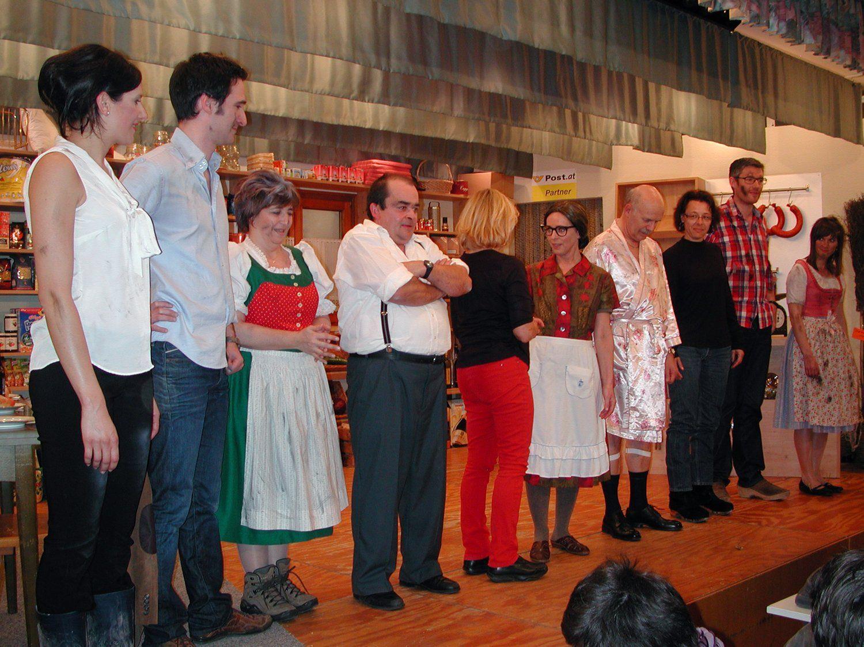 """Der Theaterverein Hohenweiler lud die Lebenshilfe Vorarlberg zur Generalprobe von """"Emma's Lädele ein""""."""