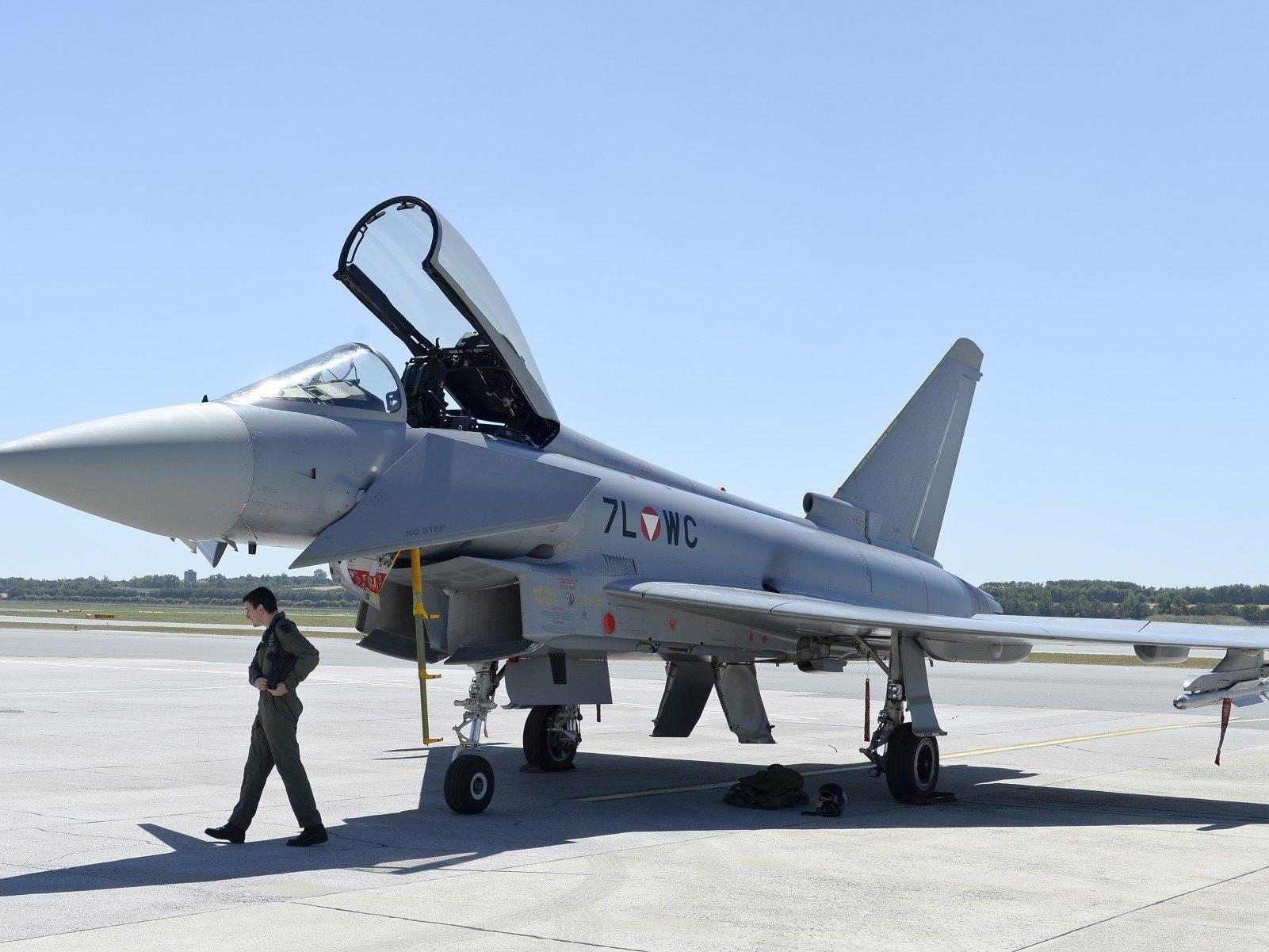 Sparen beim Heer: Sollten die Eurofighter am Boden bleiben?