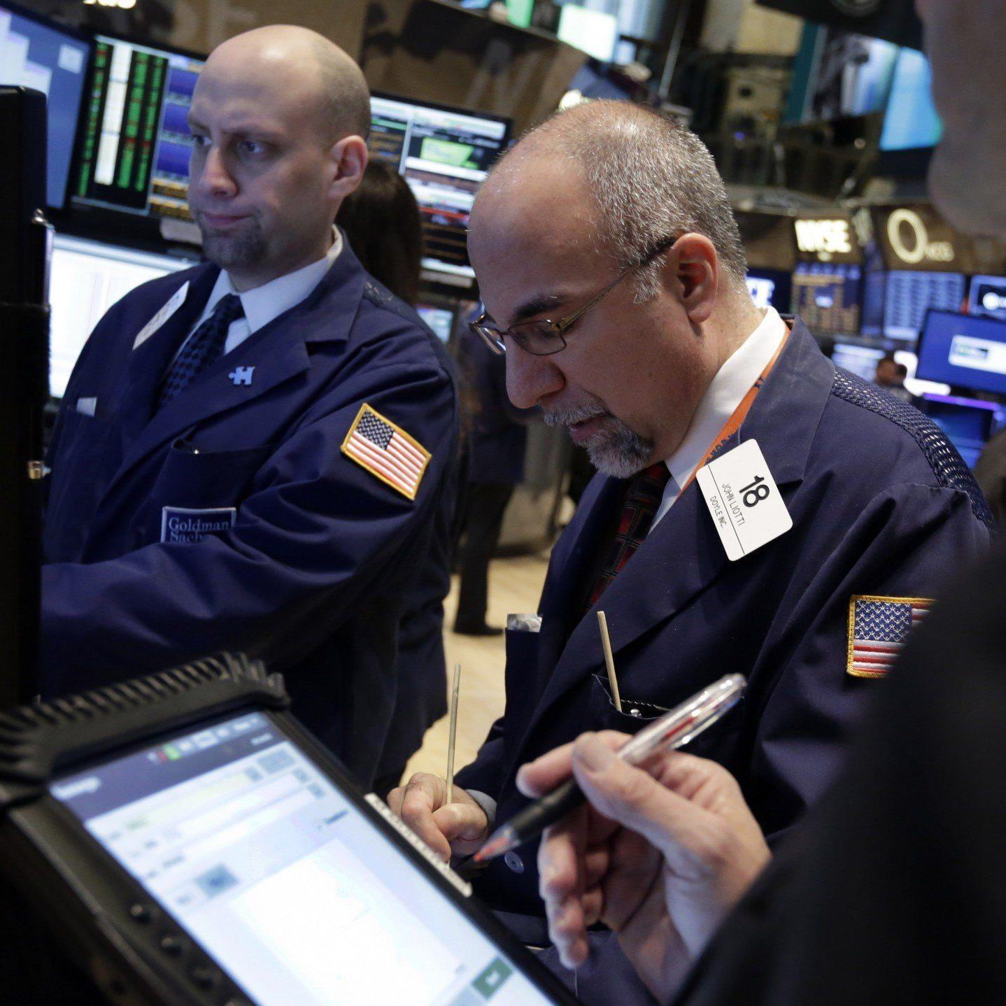 Fed drosselt Anleihenkäufe erneut um 10 Mrd. Dollar.