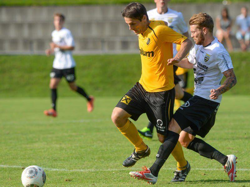Auf Höchst-Drehscheibe Samir Karahasanovic wartet im Heimspiel gegen St. Johann viel Arbeit.