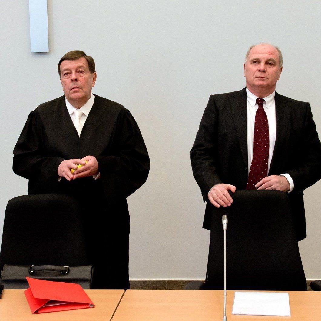 Uli Hoeneß gibt sich reumütig. Ja, er habe Steuern hinterzogen - und zwar deutlich mehr als die Ankläger dachten.