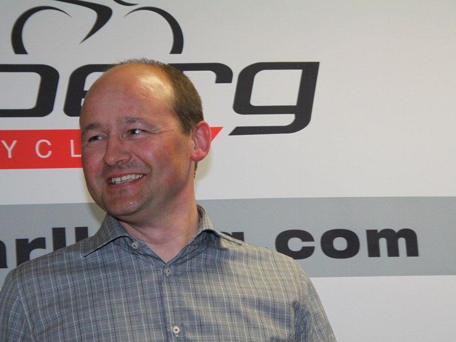Teammanager Tom Kofler hofft, dass die beiden Stürze von Baldo und Schnaidt nicht zu schlimm waren.