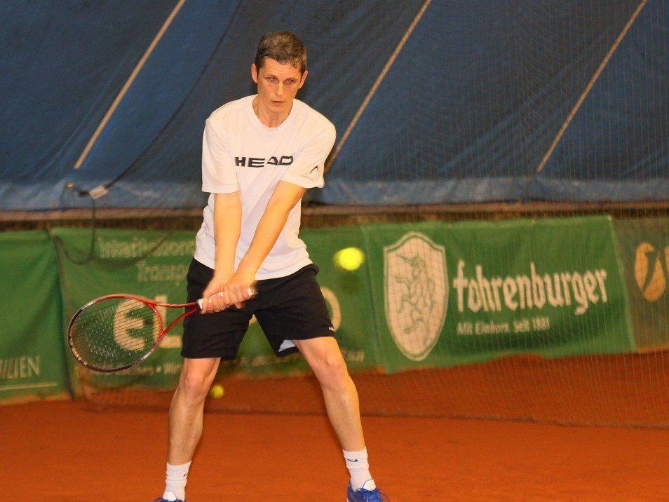 Peter Peham ist der große Star der landesweiten Tennis Titelkämpfe der Senioren in Altenstadt.