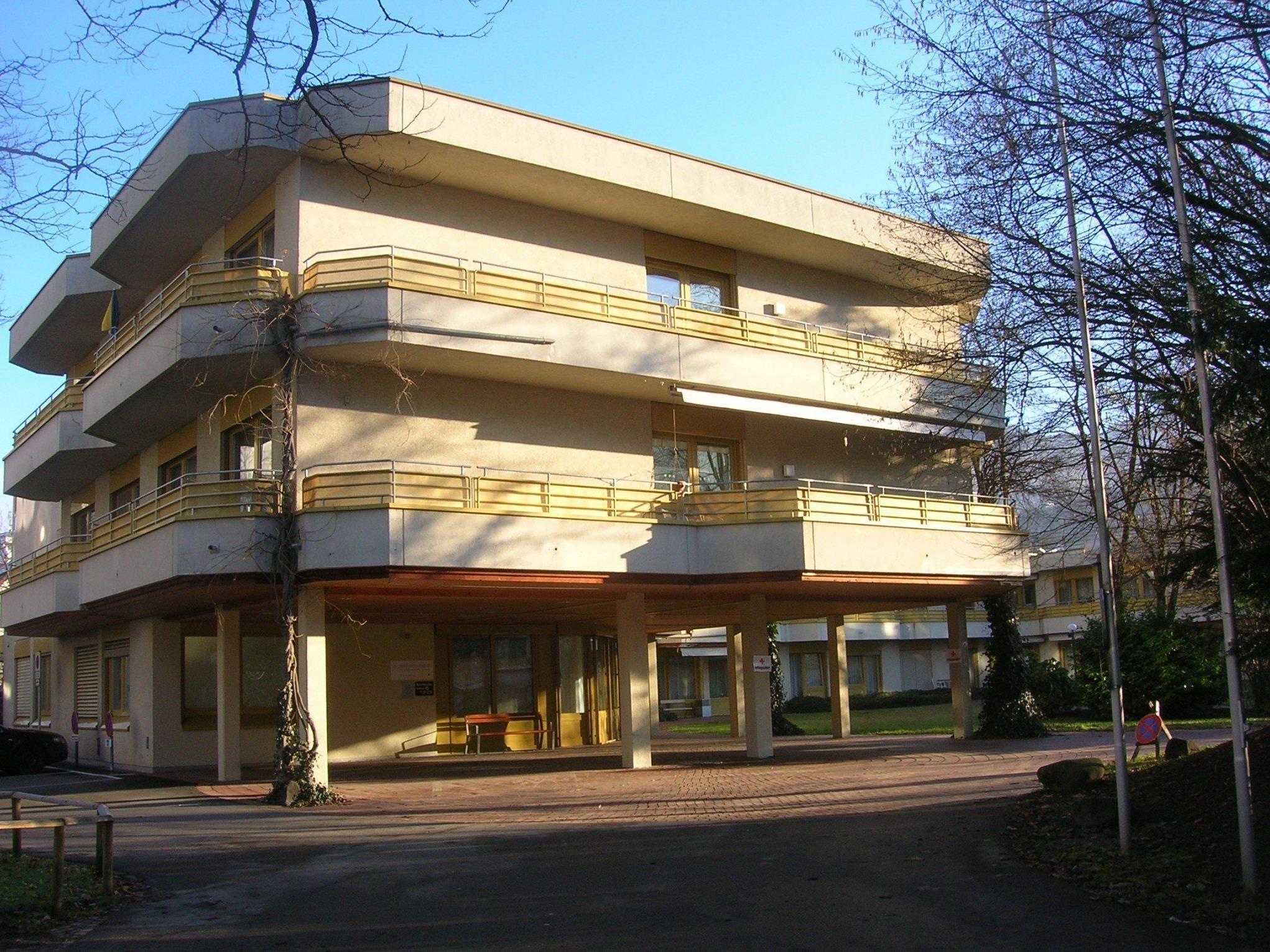 Nach dem Auszug der Pflegepatienten wird das Haus an der Lustenauerstraße neu genutzt.