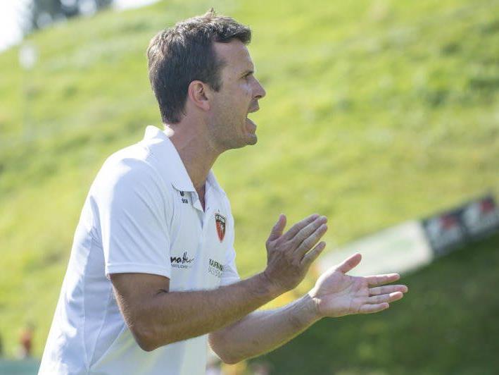 Bizau-Coach Philipp Schwarz ist mit seinen Jungs der große Gejagte.