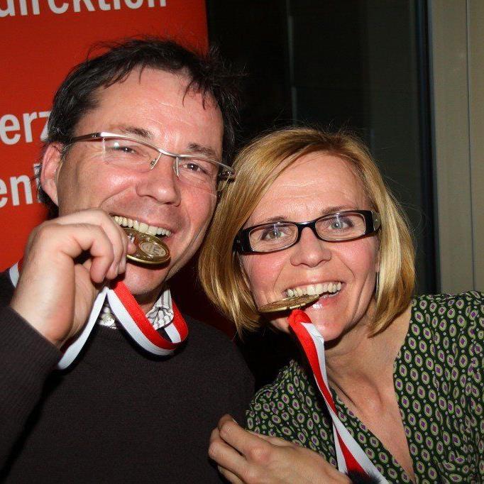 Bei der Players Party kam das Gesellige nicht zu kurz, aber auch die Goldmedaillengewinner zeigten ihre Edelmetalle.