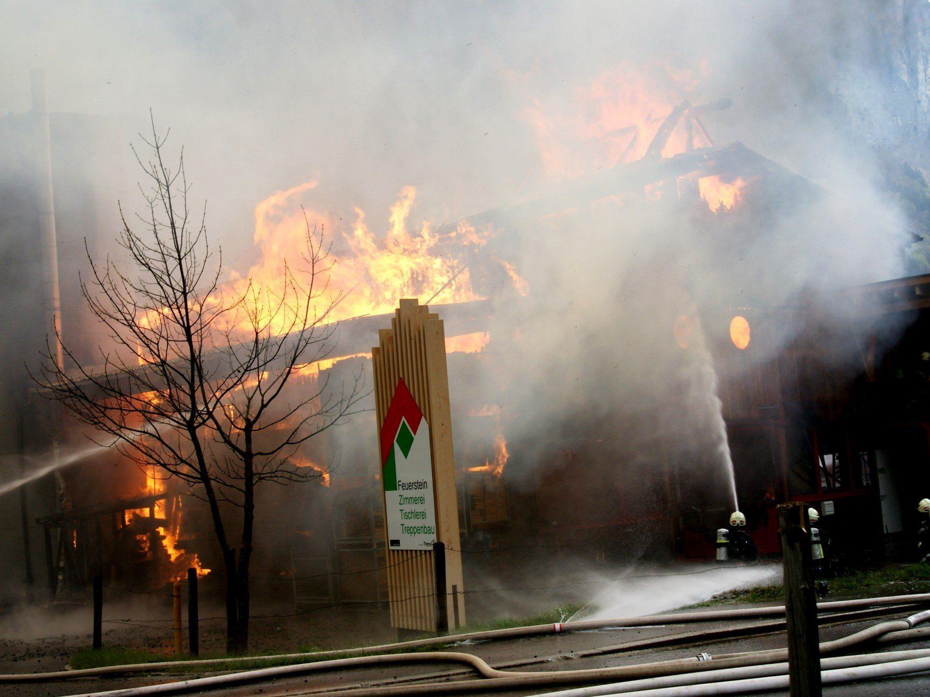 Großbrand in Tischlerei Feuerstein