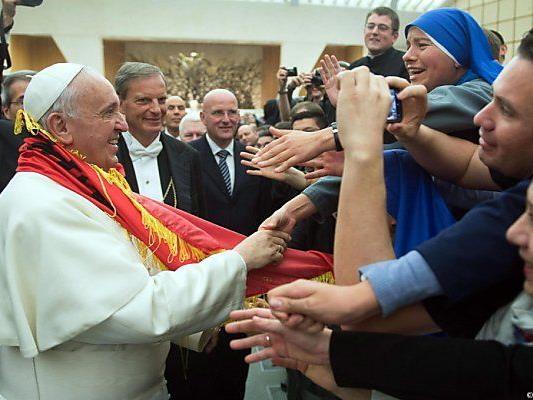 Papst will die Last für das Übel übernehmen