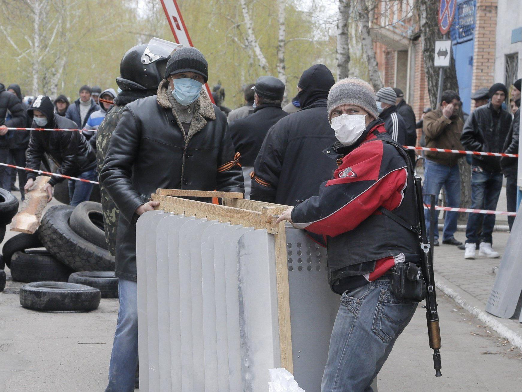 OSZE-Beobachter in der Ukraine verschleppt und festgehalten.