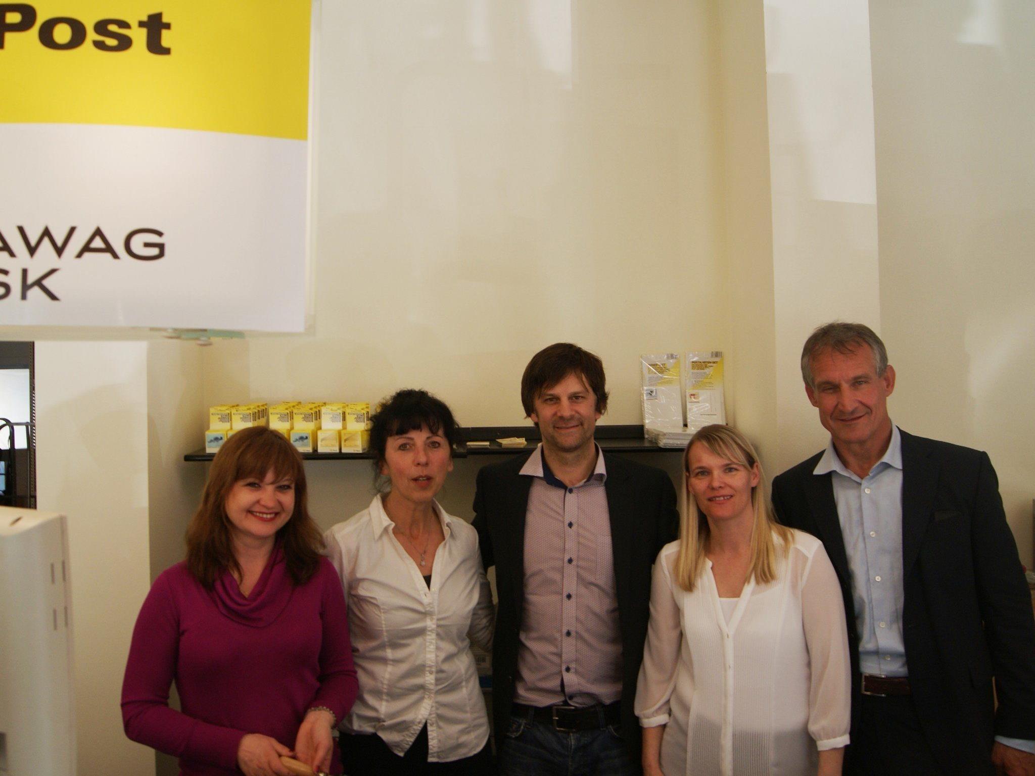 Integra Mitarbeiter mit GF. Stefan Koch und Bürgermeister Markus Linhart.