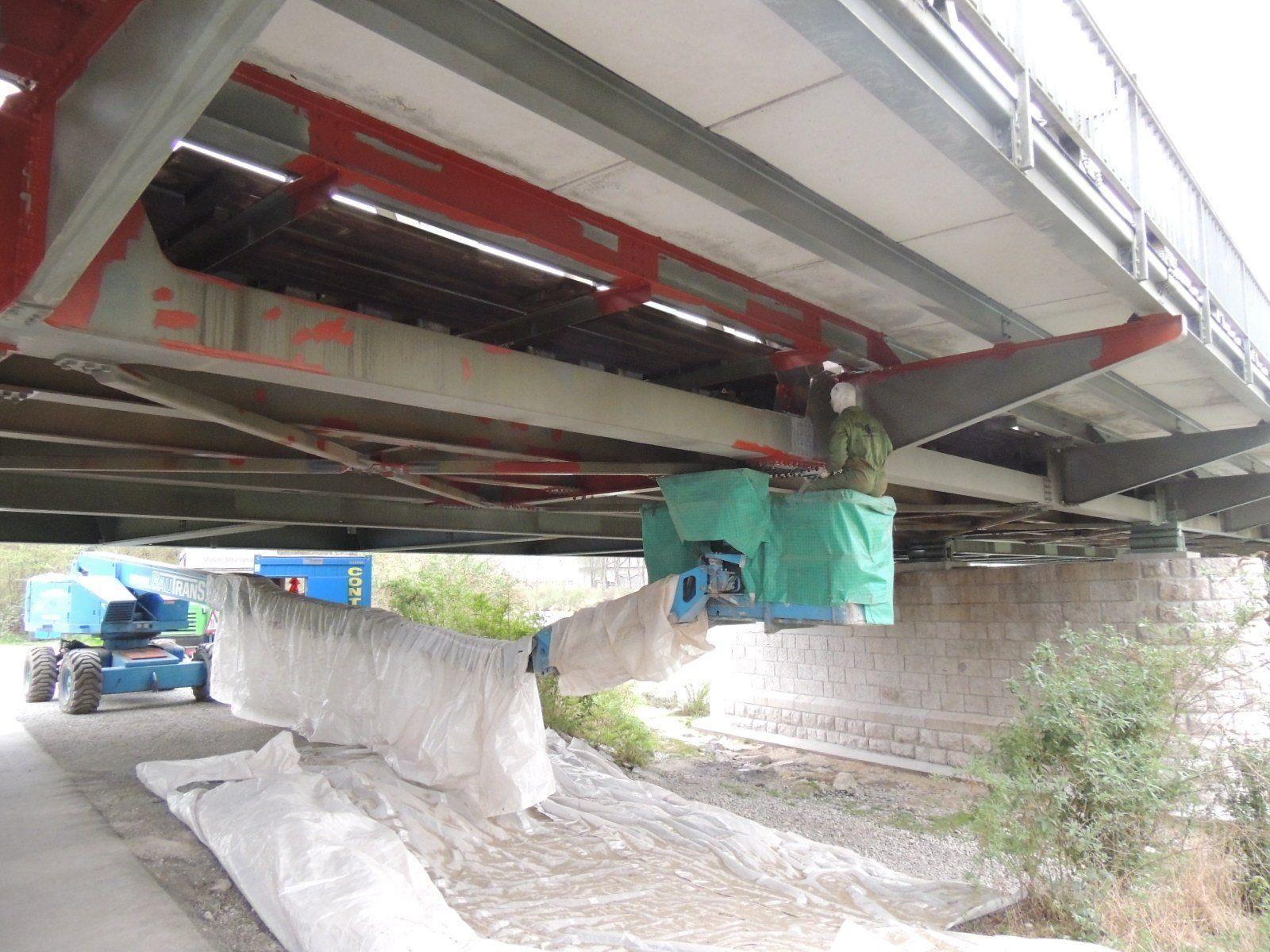 Brückenkonstruktion wird saniert