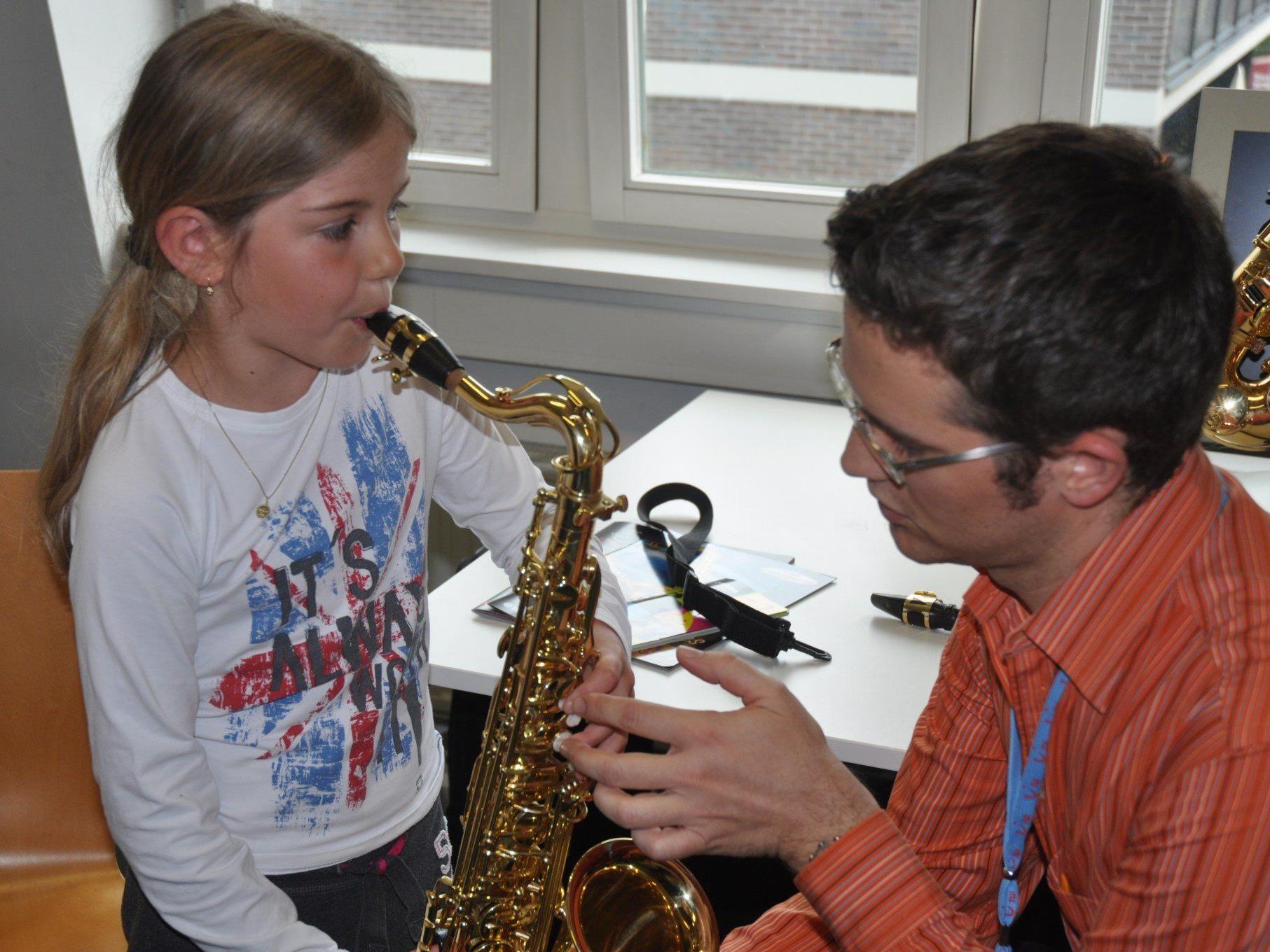 Die Musikschule Rankweil-Vorderland lädt zum ausprobieren, informieren und zuhören ins Vereinshaus.