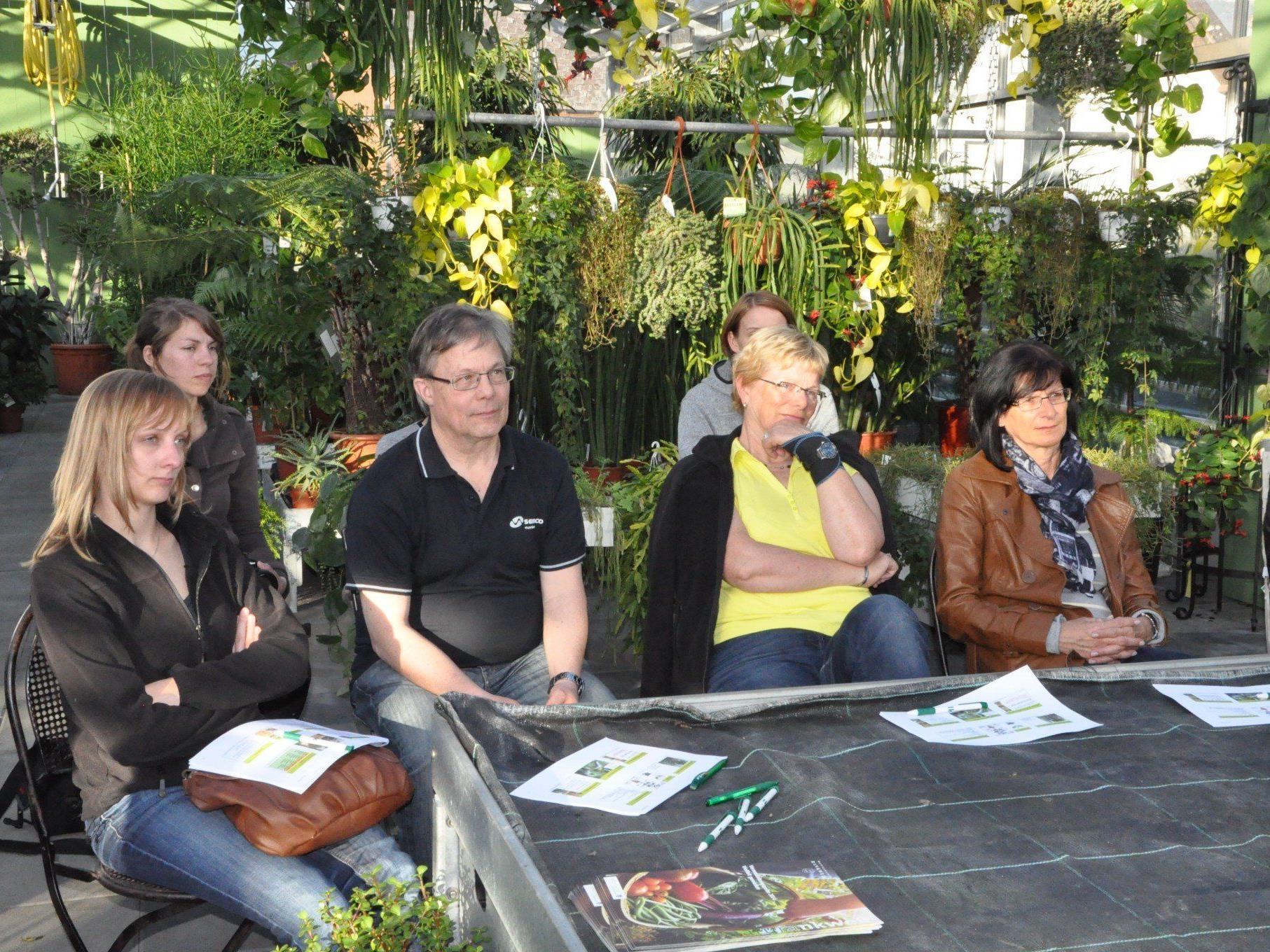 Immer mehr Gartenfreunde interessieren sich für den Garten auf Balkon oder Terrasse.