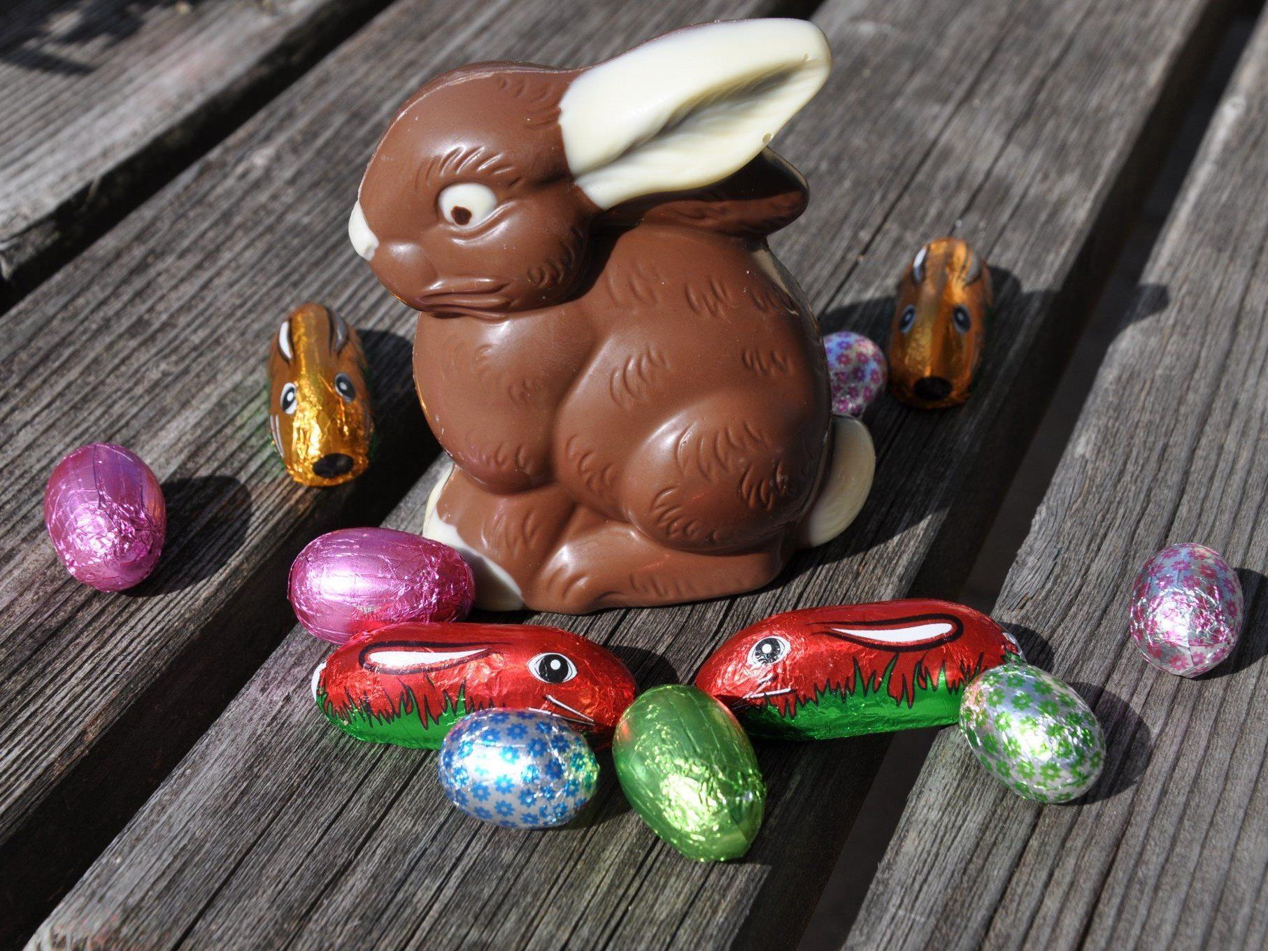 Hasen, Eier und Co können zu den Öffnungszeiten in der Bücherei Rohrbach abgegeben werden.