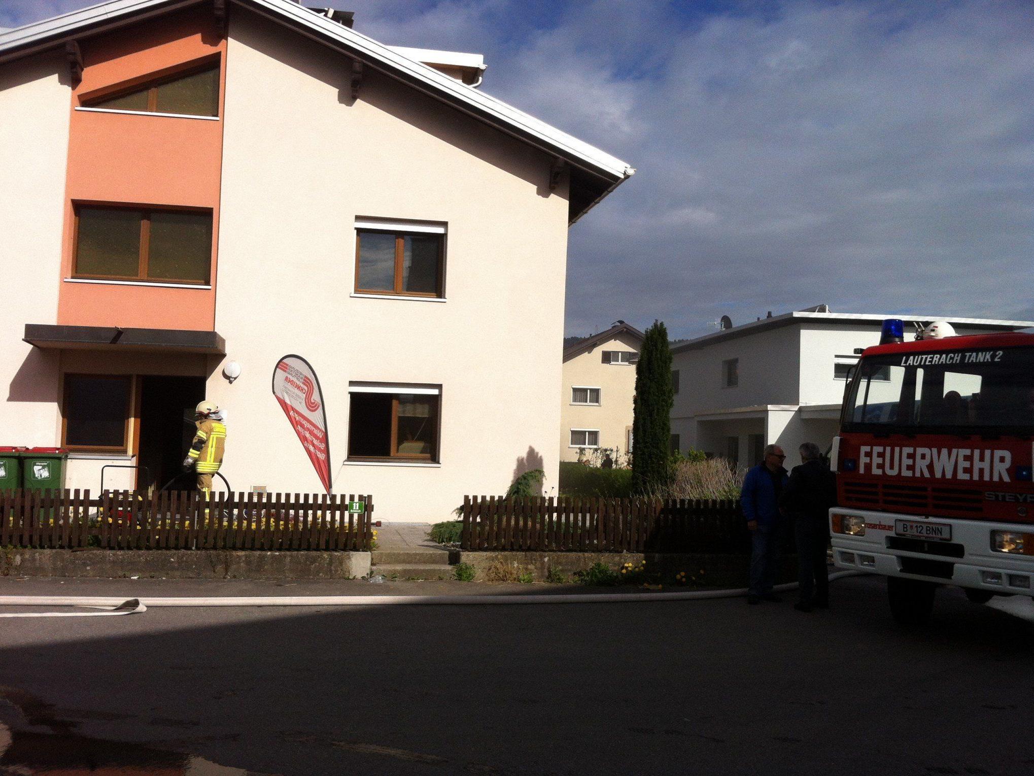 Lauterach: Brandausbruch in Keller.