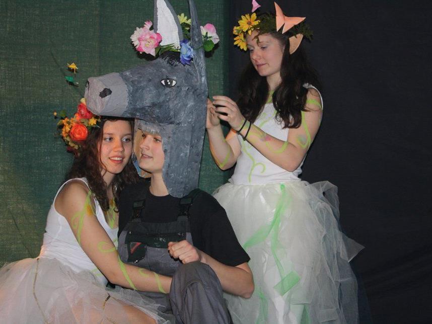 Eine märchenhafte Version  des Sommernachtstraums präsentierte das BORG-Schultheater.