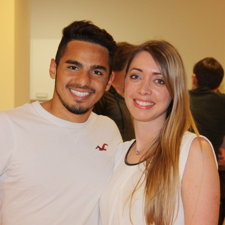 SW Torjäger Vinicius Gomes Maciel und Samina-Marketingchefin Theresa Amann im Smalltalk.