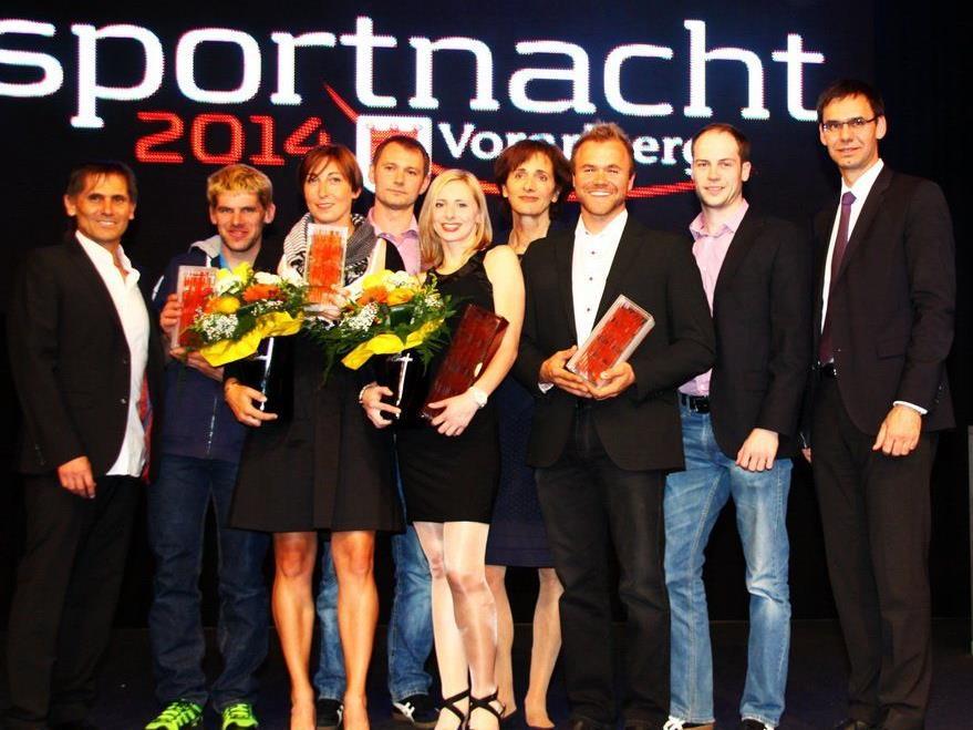 Die Sieger der Vorarlberger Sportnacht mit der Prominenz.