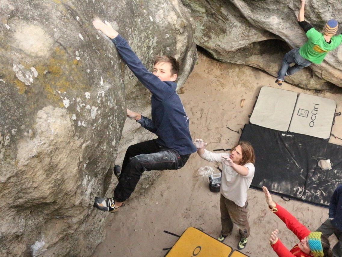 In Frankreich holen die Kletterer den letzten Feinschliff.