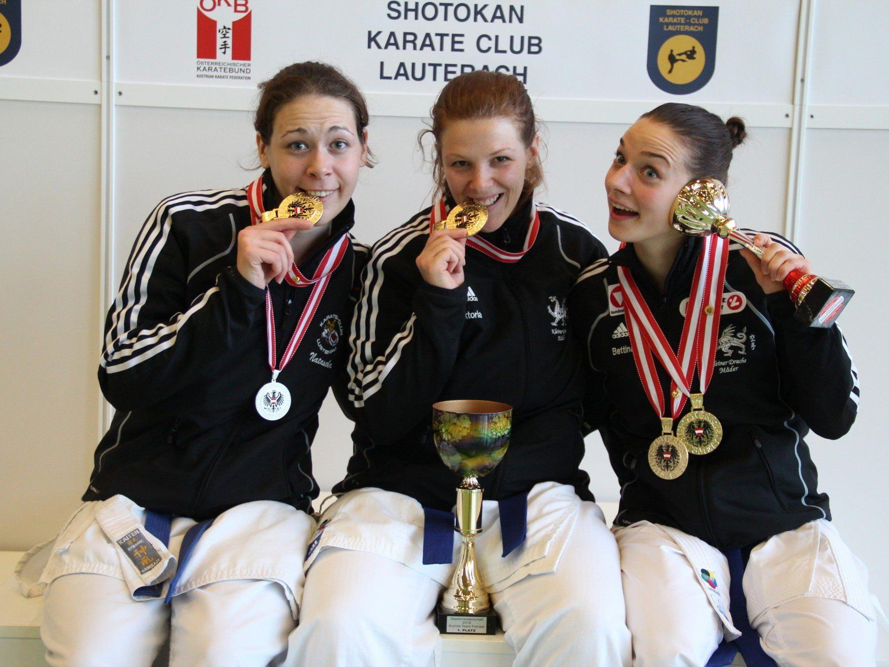 Team Gold: Natascha Aberer, Vicky Selinscheck, Bettina Plank