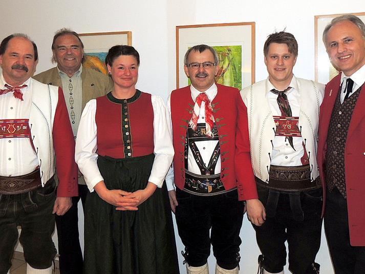 Geehrt: Hj. Schuster, H. Greiner, D. Hilbrand, Bgm. A. Haid, T. Berchtold, Landesobmann W. Baldauf.