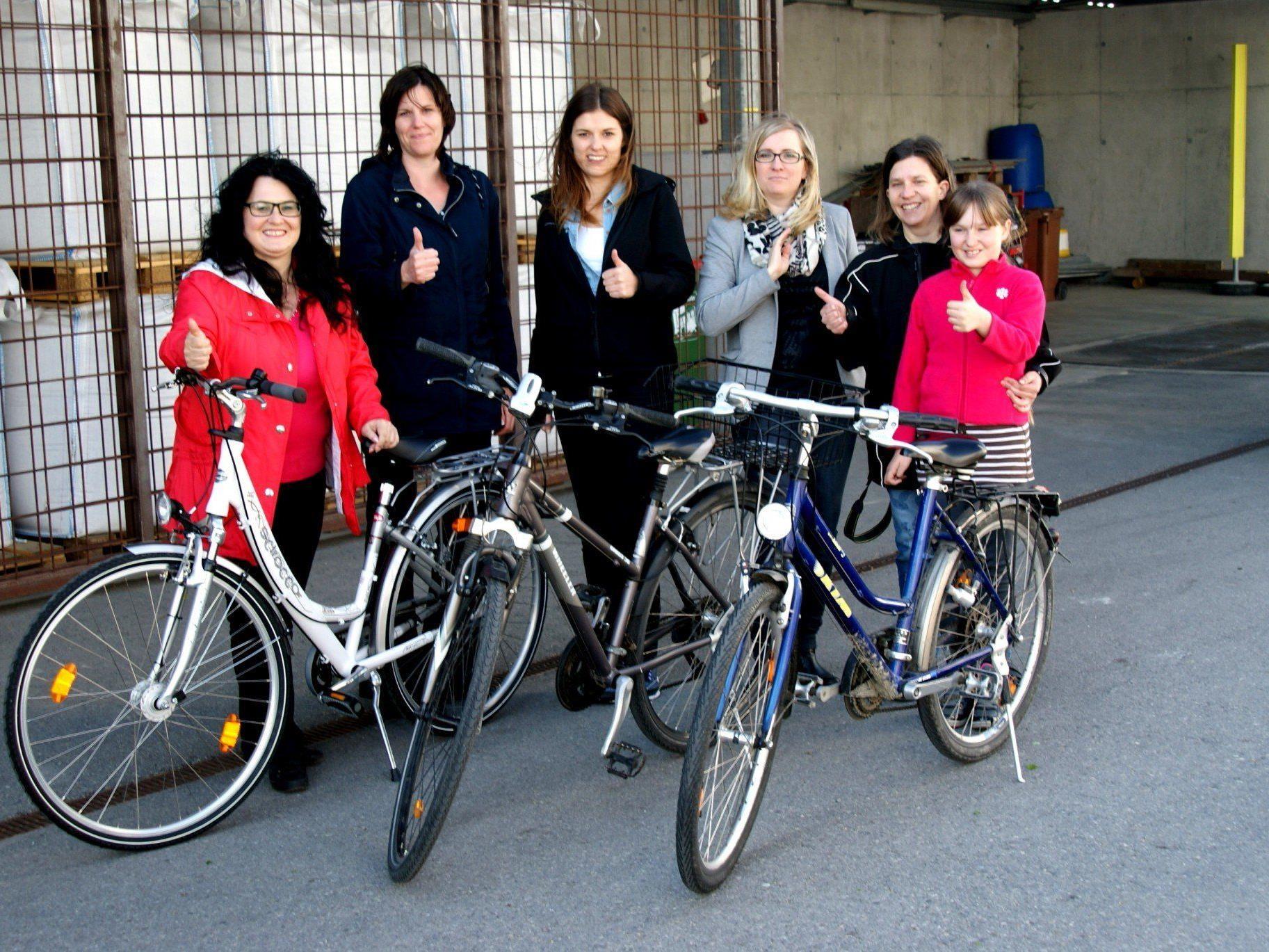 Die braven Helferinnen, Silvia Wagner (UA-Altach), Gabi, Felizitas, Gabriele, Caroline und Judith Hagen (Sicheres Vlbg.)