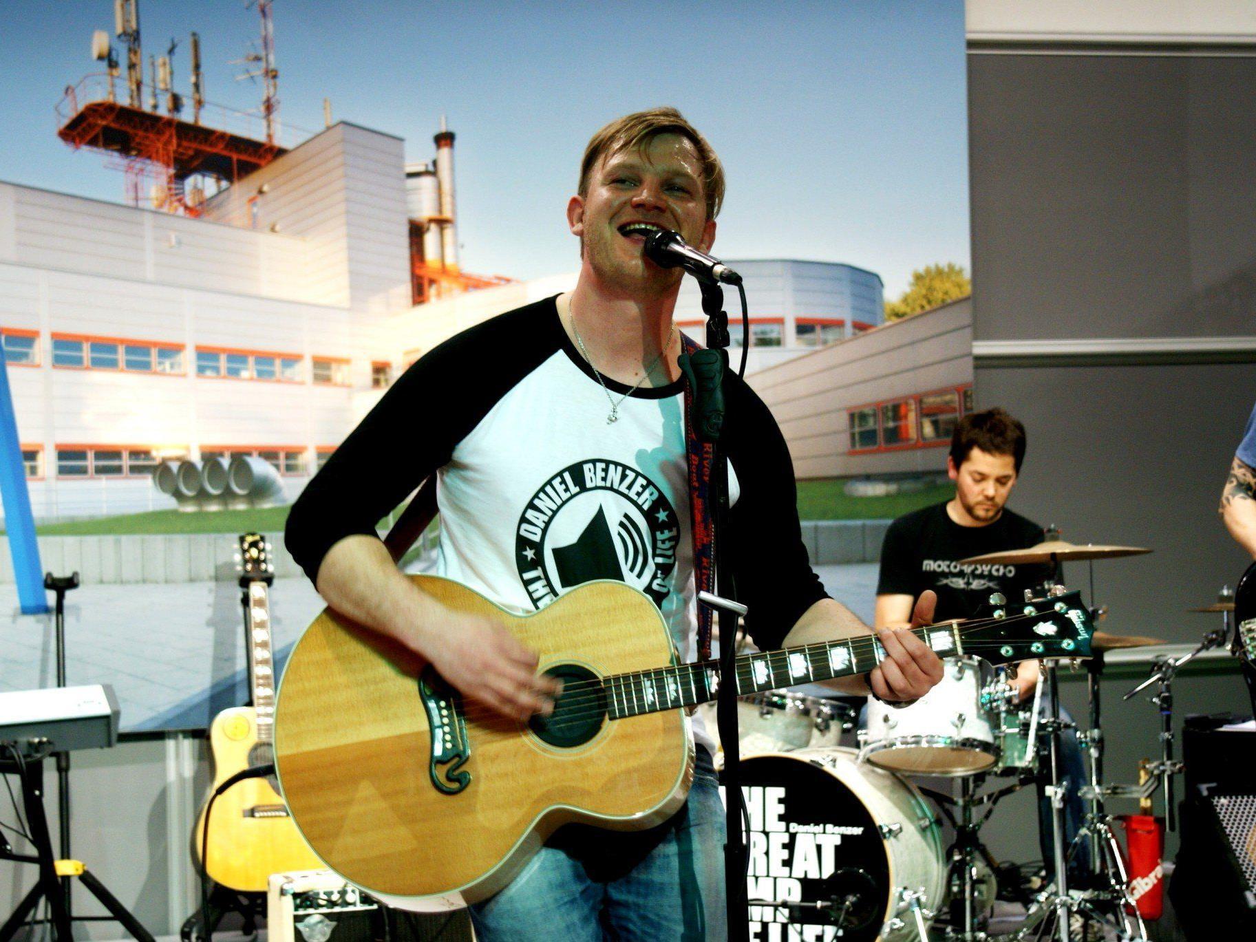 """Daniel Benzer präsentiert seine CD """"The Great Amp of Life"""