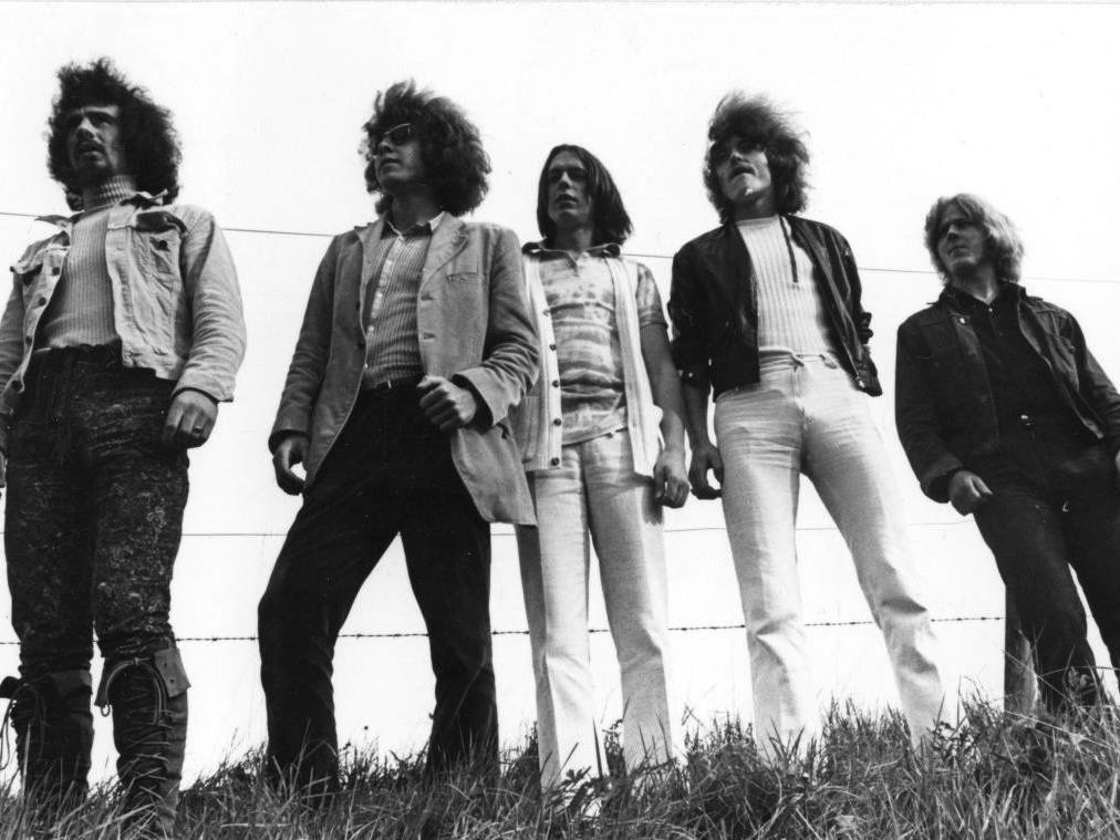"""Die Band """"The Wanted"""" im Jahr 1969 in ihrer Urbesetzung: Reinhard Woldrich, Benny Gleeson, Rolf Aberer, Reinhold Bilgeri und Herrmann Schratner (im Bild von links)."""
