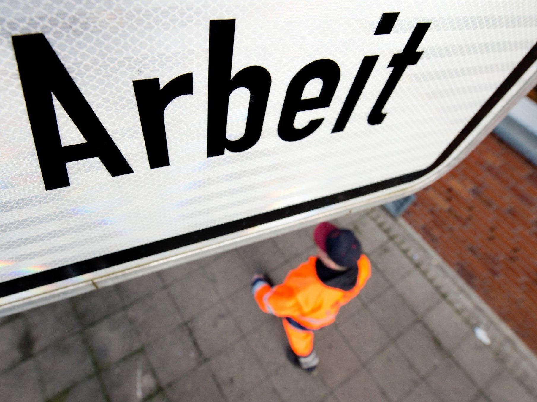 Beschäftigungsprojekte: In Summe stehen in Vorarlberg 235 Vollzeitarbeitsplätze sowie 60 Plätze in einer Arbeitsstiftung bereit.