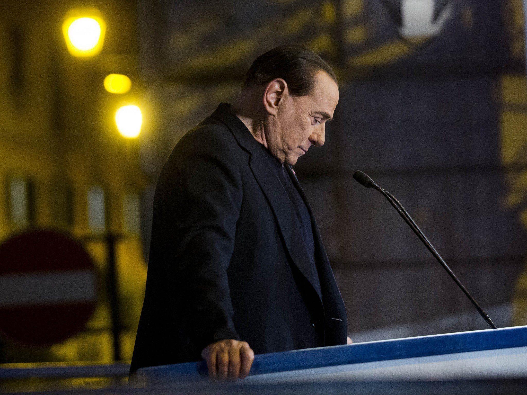 Silvio Berlusconi ist nach Rom gezogen, wo er seinen Sozialdienst antreten möchte.