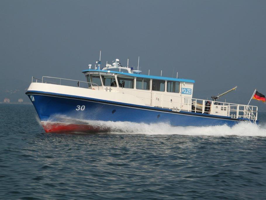 """Das Lindauer Polizeiboot """"Hecht"""" stach gegen einen Bregenzer Schiffsführer in See, der mehr als zwei Promille im Blut hatte."""