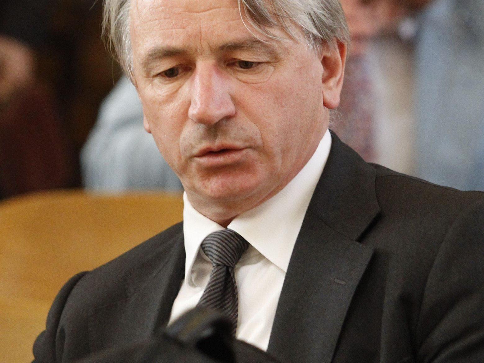 Ex-Hypo-Chef belastet als Zeuge Ex-BayernLB-Chef Schmidt.