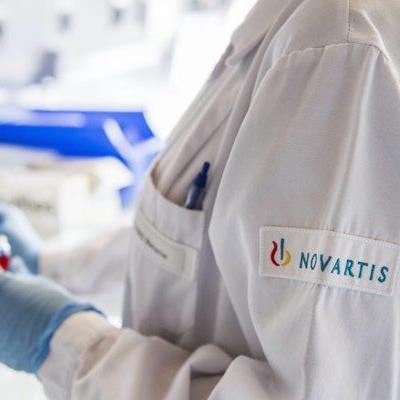Der Pharmariese Novartis kündigt einen Konzernumbau an.