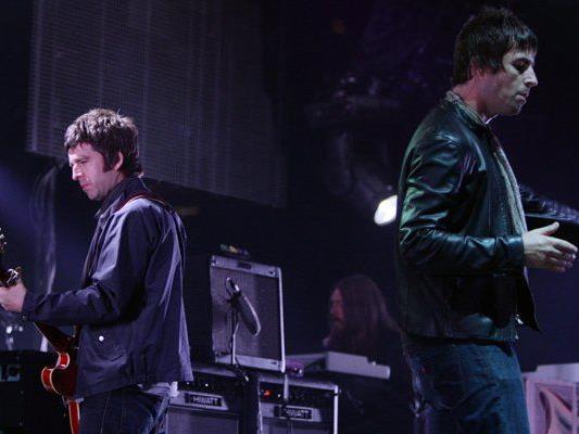 Im August 2008 spielten Noel und Liam Gallagher mit ihrer Band Oasis ein Konzert in Vancouver.