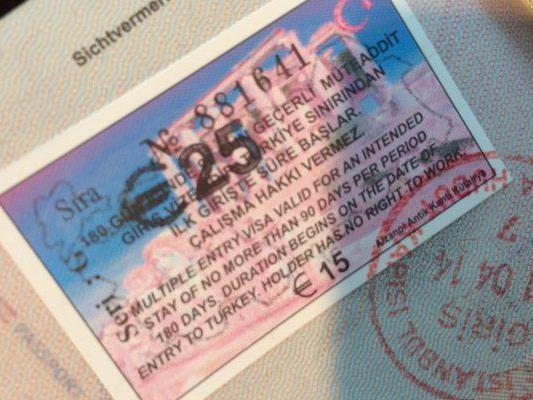 Ab 10. April benötigen auch österreichische Staatsbürger ein e-Visum für die Einreise in die Türkei.