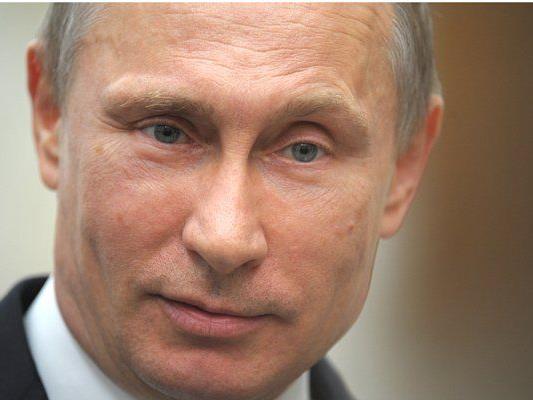 Der russische Präsident Vladimir Putin spricht zur Presse nach einem Treffen des Eurasian Economic Council.
