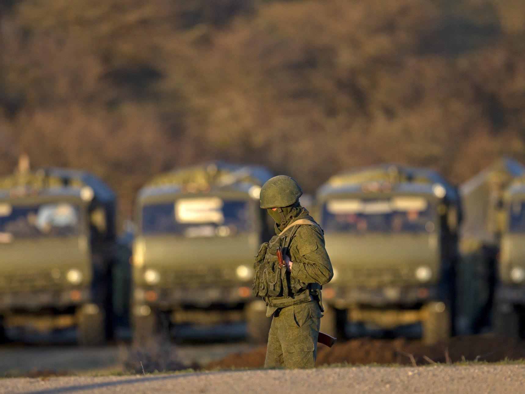Russland rechtfertigt Aufmarsch mit Militärputsch.