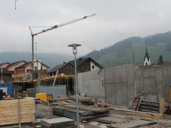 Rund sechs Millionen Euro werden in das Sennhus investiert. Der Großteil des Projekts wird akzeptiert, bei Sutterlüty scheiden sich die Geister.