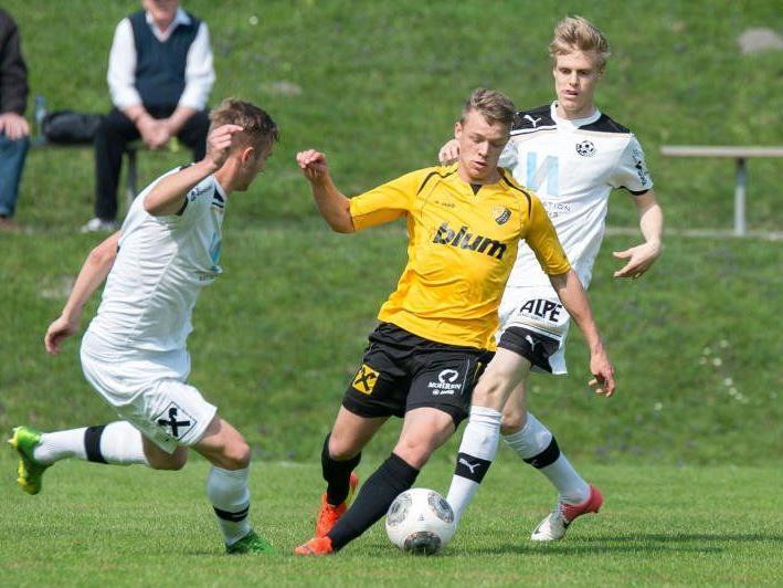 Höchst-Mittelfeldspieler Simon Thurner ist eine Bereicherung im Angriffsspiel der Elf um Trainer Dieter Alge.