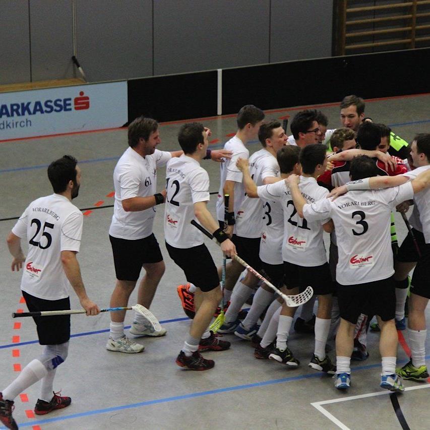 Dreimal gewinnen muss das Unihockey Team Vorarlberg im Finale gegen Villach um Meister zu werden.