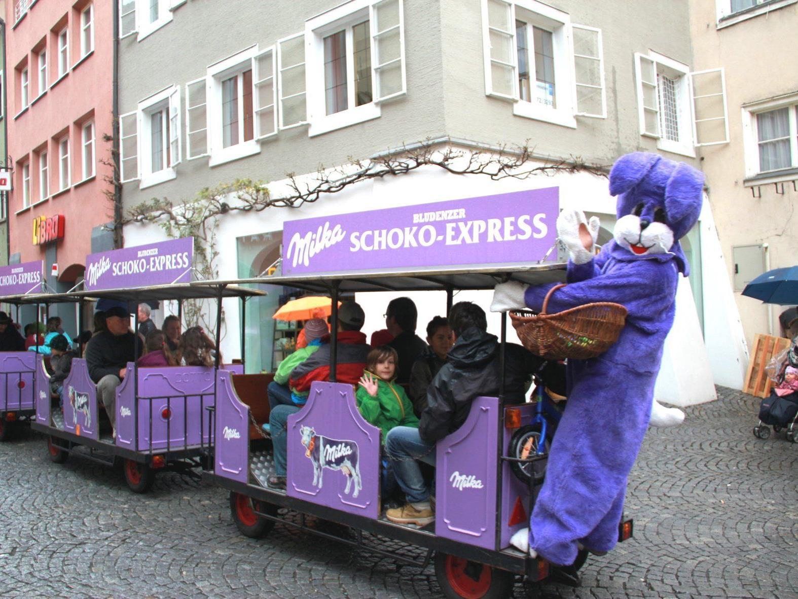 Am kommenden Samstag kommt der lila Osterhase in die Altstadt.