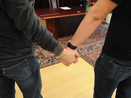 Anpassung bei eingetragener Partnerschaft