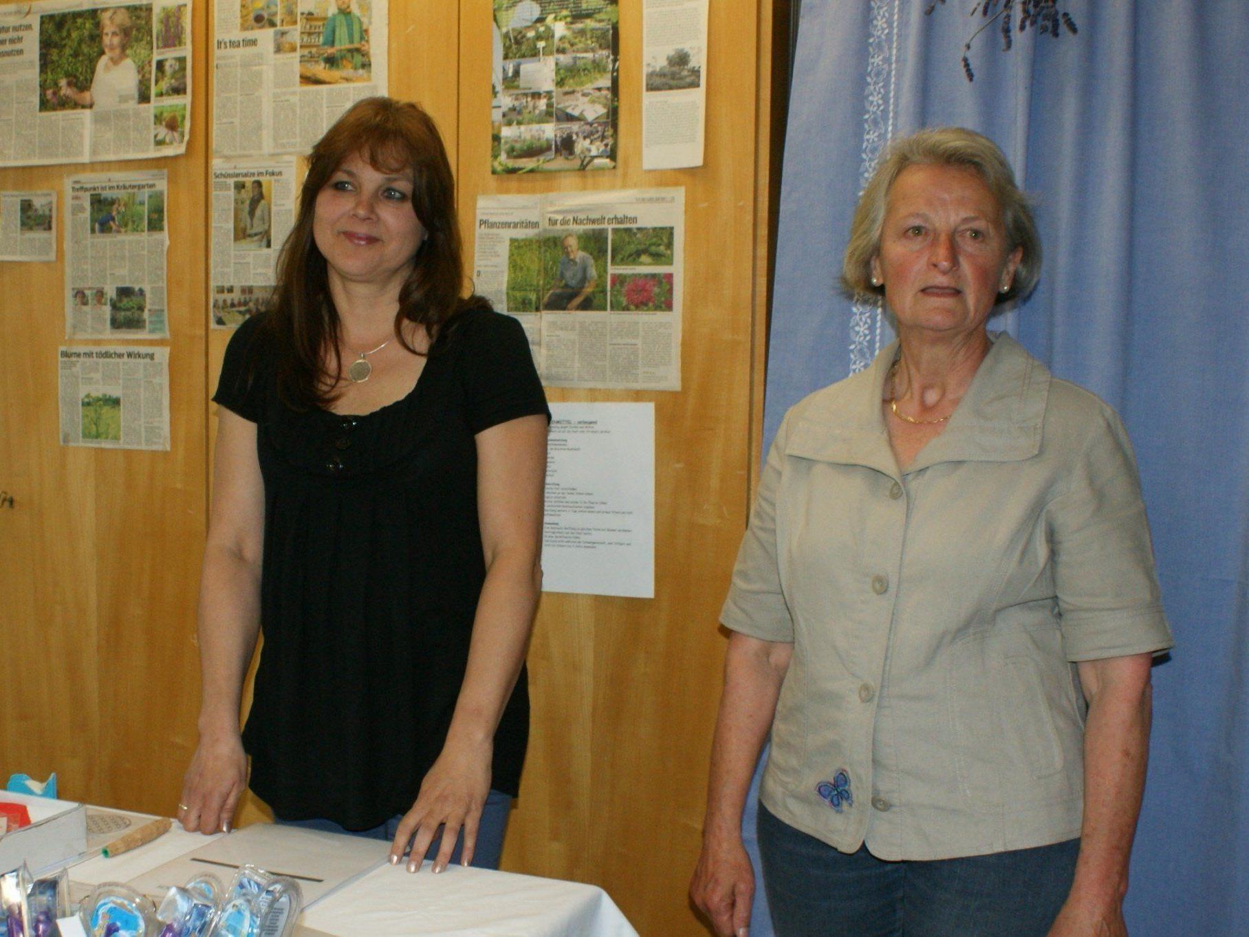 Caroline Martilotti (li) referierte über die neue Homöopathie