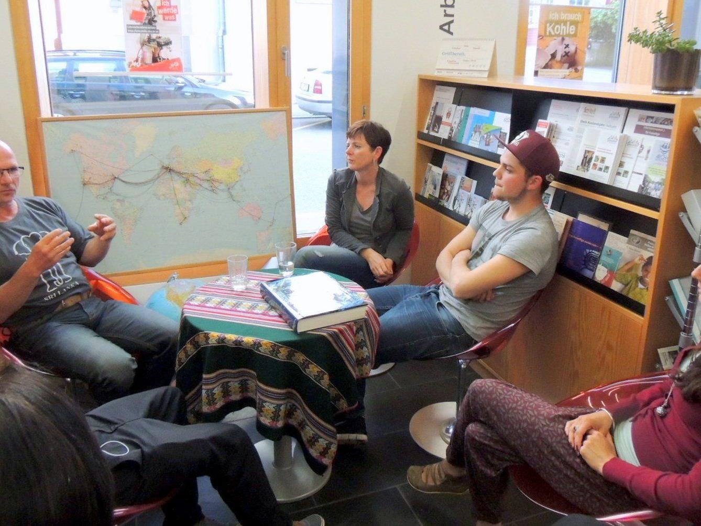 Kathrin, Peter und Karina erzählten von ihren Erfahrungen